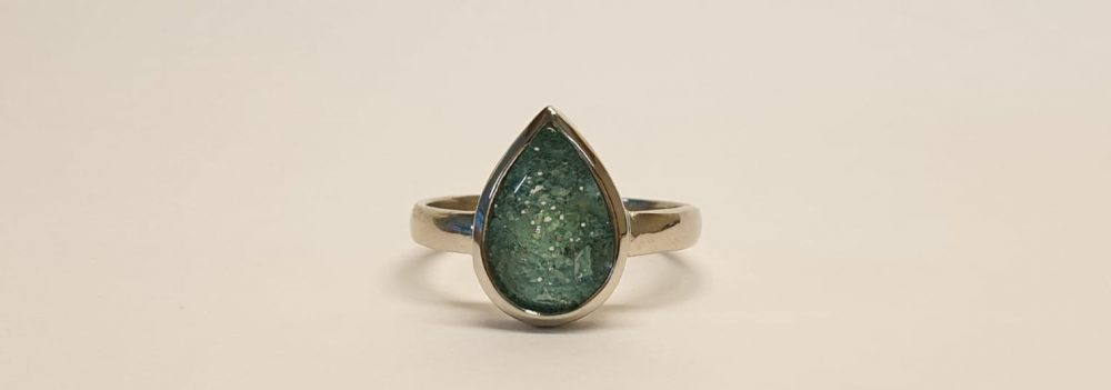 Teardrop ashes ring