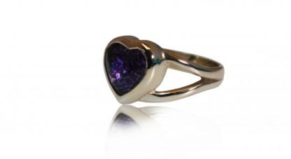 Heart ashes ring in silver - side view