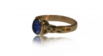 celtic ashes ring in gold - side view
