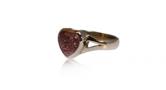 small heart ashes ring in silver - side view