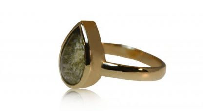 Teardrop ashes ring in gold - side view