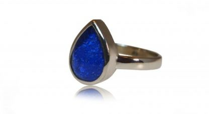 Teardrop ashes ring in silver - side view